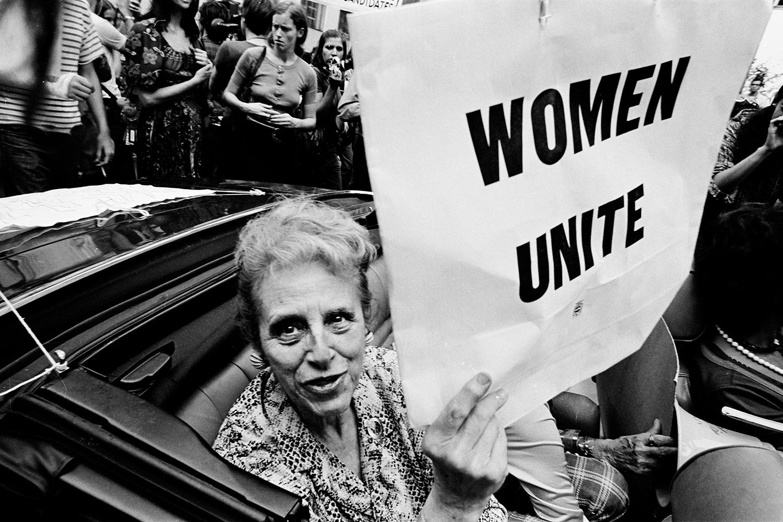 WOMEN-UNITE+010-1500